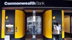 Крупный банк Австралии запретил покупать виртуальную валюту кредитками
