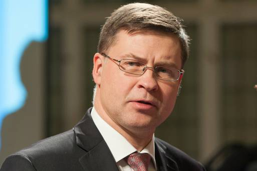 Валдис Домбровскис намекнул на широкое регулирование криптовалюты в ЕС