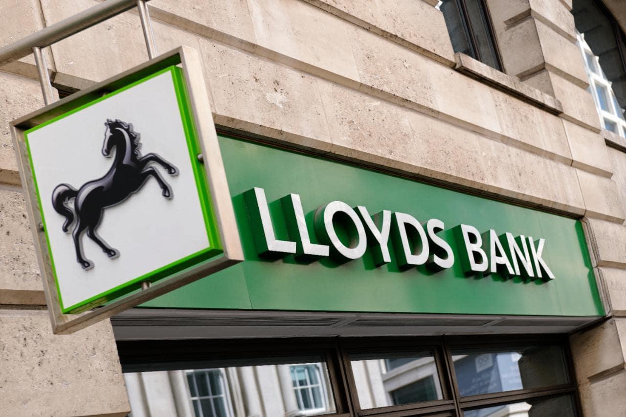 «Lloyds Bank» решил заблокировать покупки биткойна с использованием кредиток