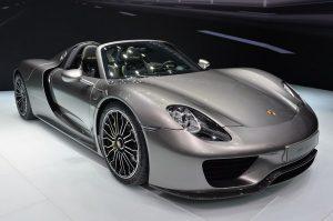 Porsche планирует внедрить технологию блокчейн в свои авто