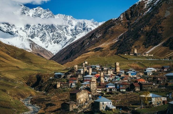 Поселок в горах Грузии