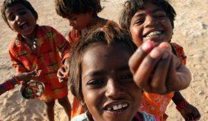 Счастливые жители Индии
