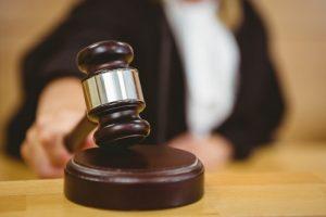 Трейдера из Лос-Анджелеса посадили на 2,5 года за проведение незаконной торговли