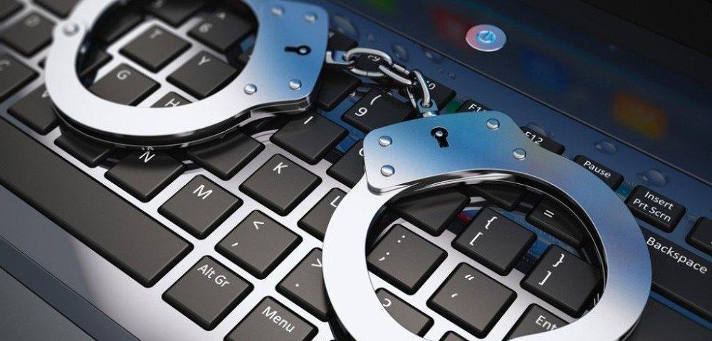 Полиции Индии удалось арестовать бывшего политика за вымогательство в биткоинах