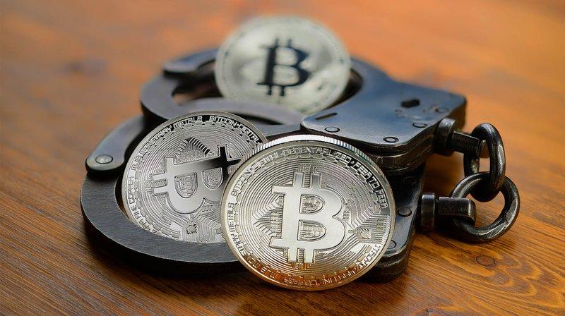 CFTC обвиняет двух биткоин-мошенников в подделке документов регулятора
