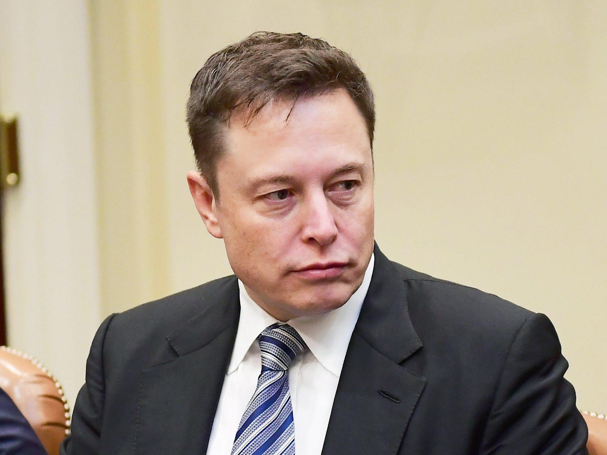 Элон Маск решил закрыть реферальную программу Tesla