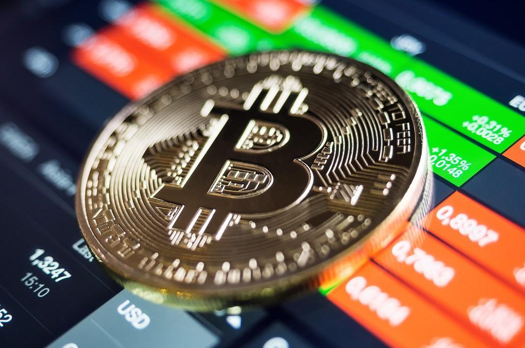 Аналитик Bloomberg: Стоимость биткоина возможно нашла дно