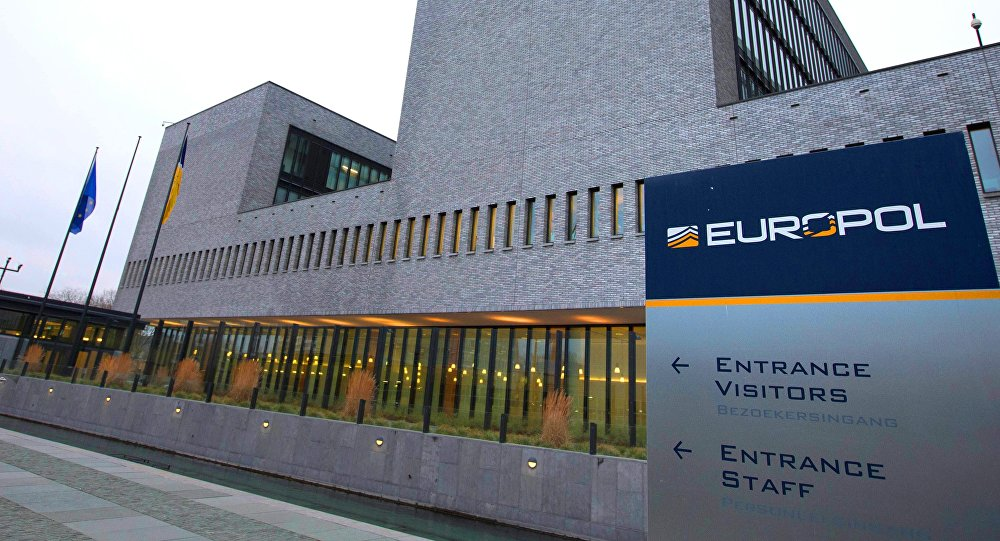 Европол арестовал 6 хакеров за кражу криптовалюты на $27 млн.