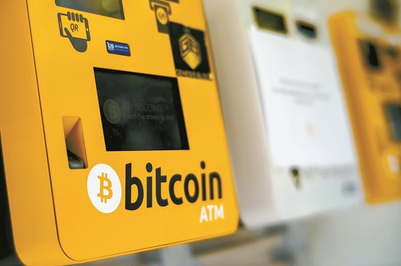 В аэропорту Майами установили первый биткоин-банкомат