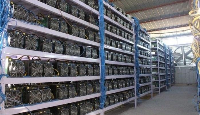 В России хотят переоборудовать крупную фабрику для добычи биткоинов