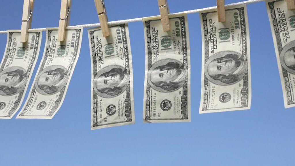 Законы о борьбе с отмыванием денег применяются и для крипто, - мнение