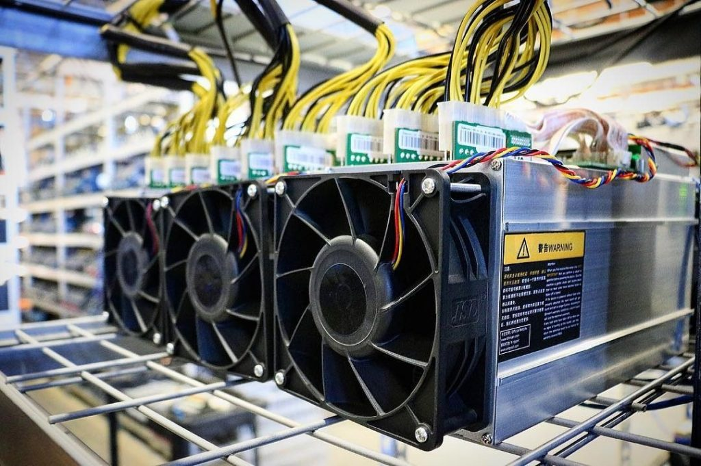 Майнинг-ферма CryptoWatt возобновила работу