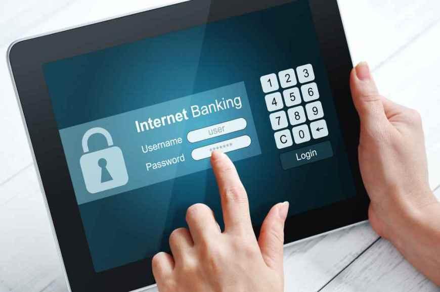 Онлайн-платформы американских банков страдают от сбоев