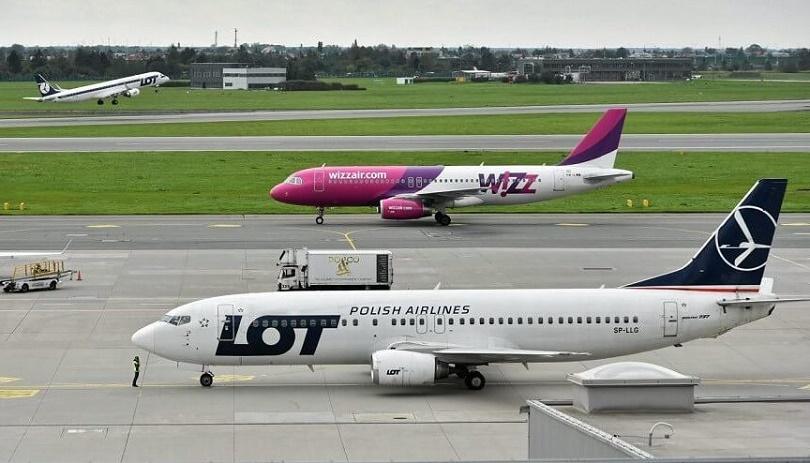 В ЕС хотят выдавать за отмененные авиарейсы ваучеры, а не деньги