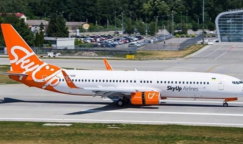 SkyUp решила ограничить продажу авиабилетов