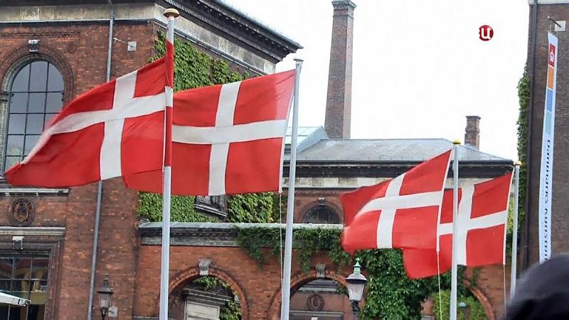 Власти Дании собираются раздать гражданам деньги