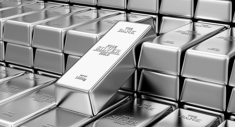 Стоимость серебра рекордно выросла впервые за 40 лет
