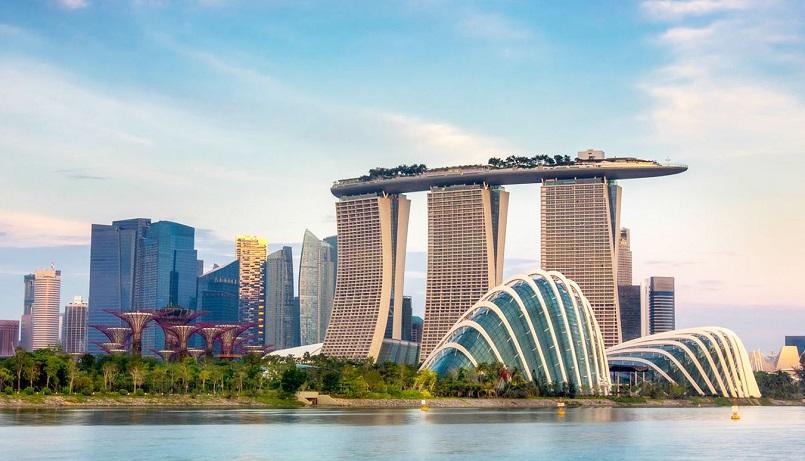 Экономика Сингапура просела почти на 43%