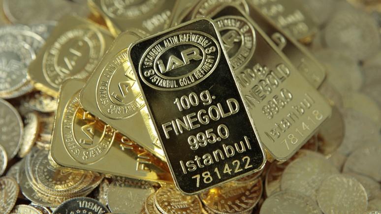 Власти Турции хотят заставить население отнести золото в банки