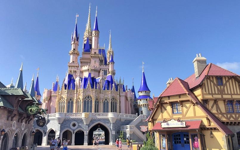 Компания Disney проведет массовое увольнение в США