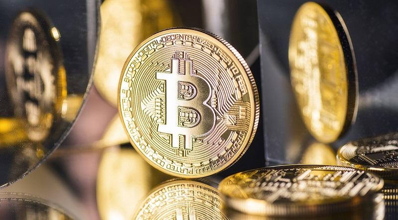 Coinbase принадлежат 8000 добытых в 2010 году BTC
