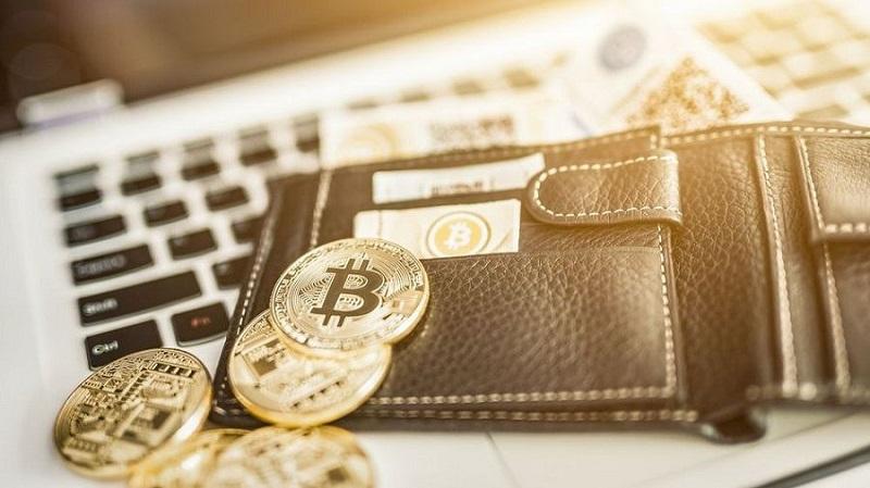 В ВТБ не исключают оттока инвесторов в биткоин