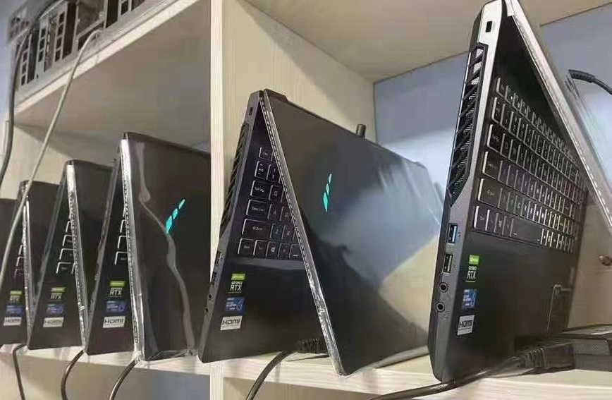 В Китае собрали майнинг-ферму из ноутбуков, приносящую доход в $77 000