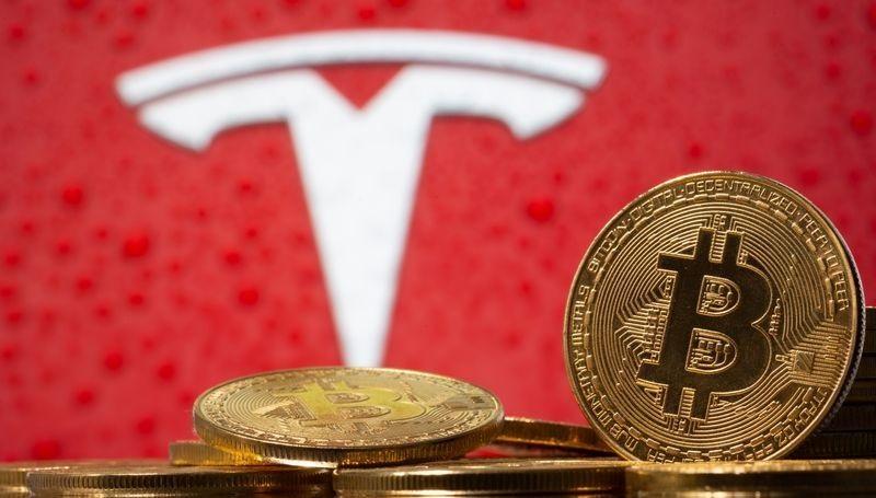 Компания Tesla продала часть крипты
