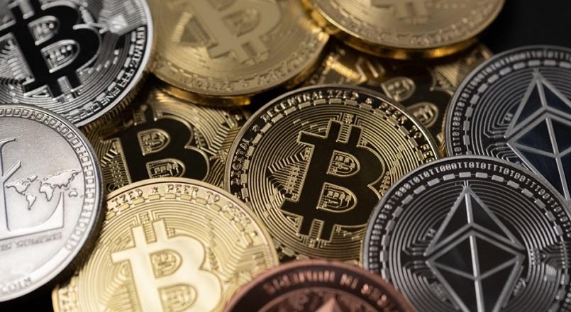Миллиардер Карл Айкан может инвестировать в крипто миллиард